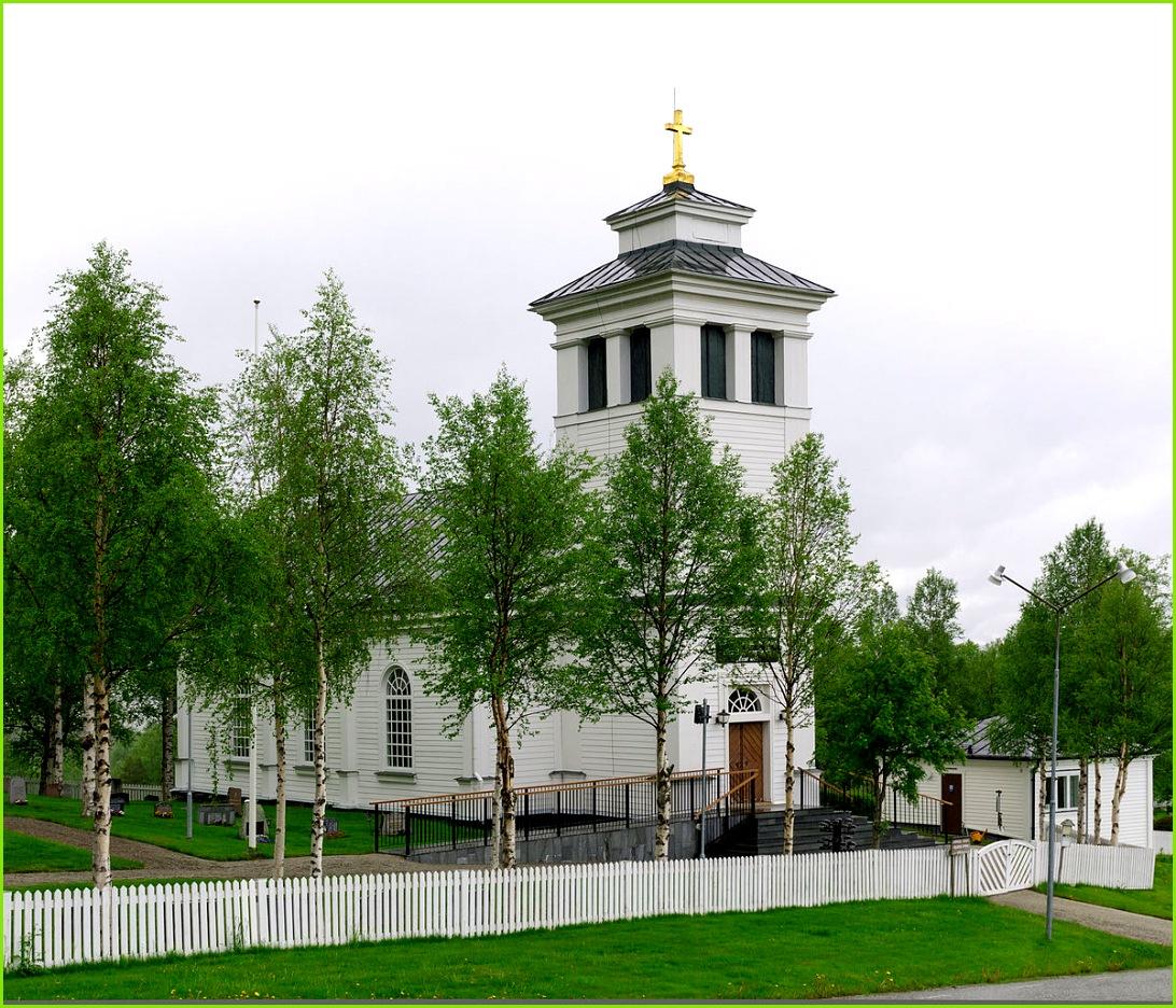 1200px Tännäs kyrka 2012b