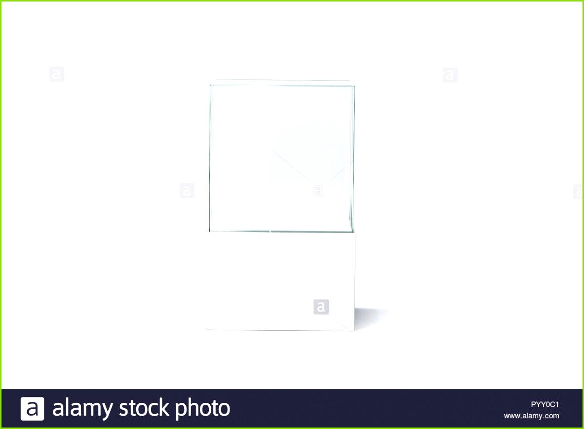 Leere weiße Glasvitrine Mockup isoliert Vorderansicht 3D Rendering Leere Präsentation podium
