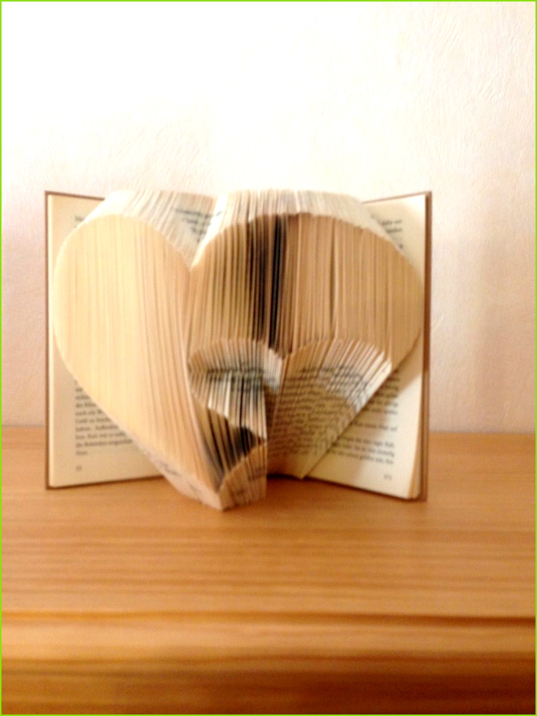 Von einer Freundin selbst entworfen Bücher Falten Herz Freunde Blog