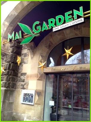 Mai Garden Einladener Eingang zum Restaurant