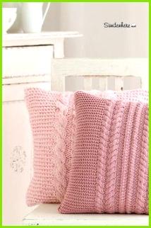 Kissen Kissenhülle im üppigen Zopfmuster ein Designerstück von bleuetrose bei DaWanda Schal Stricken
