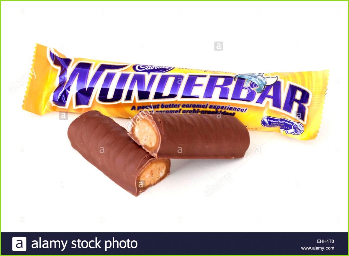 Ein Cadbury Wunderbar Schokoriegel in Kanada und Deutschland verkauft wird Stockbild